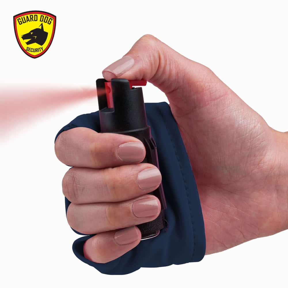 black sleeve to use along with pepper spray